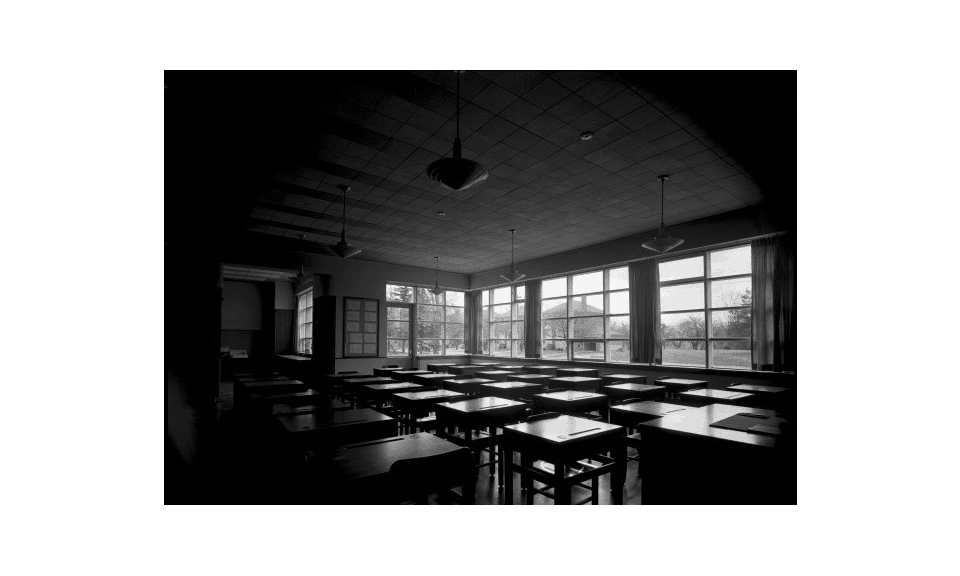 Sunnylea classroom with abundant access to natural light (1946) - Panda Archives