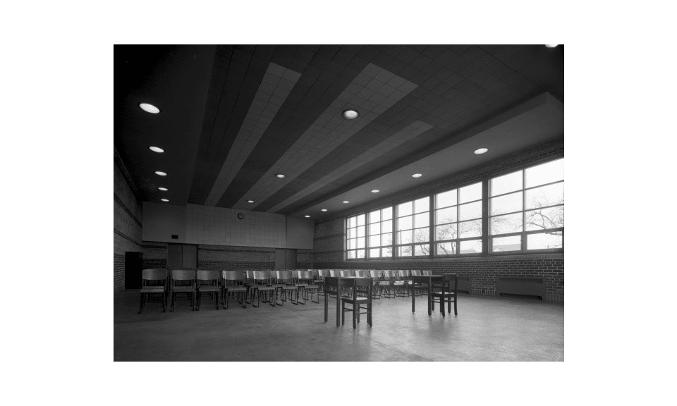 Sunnylea interior space with abundant access to natural light (1946) - Panda Archives