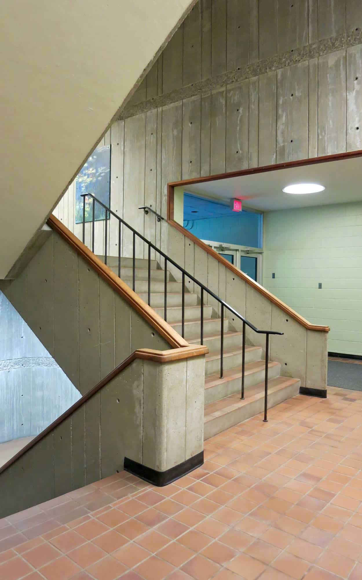 Stairs executed in board-formed concrete