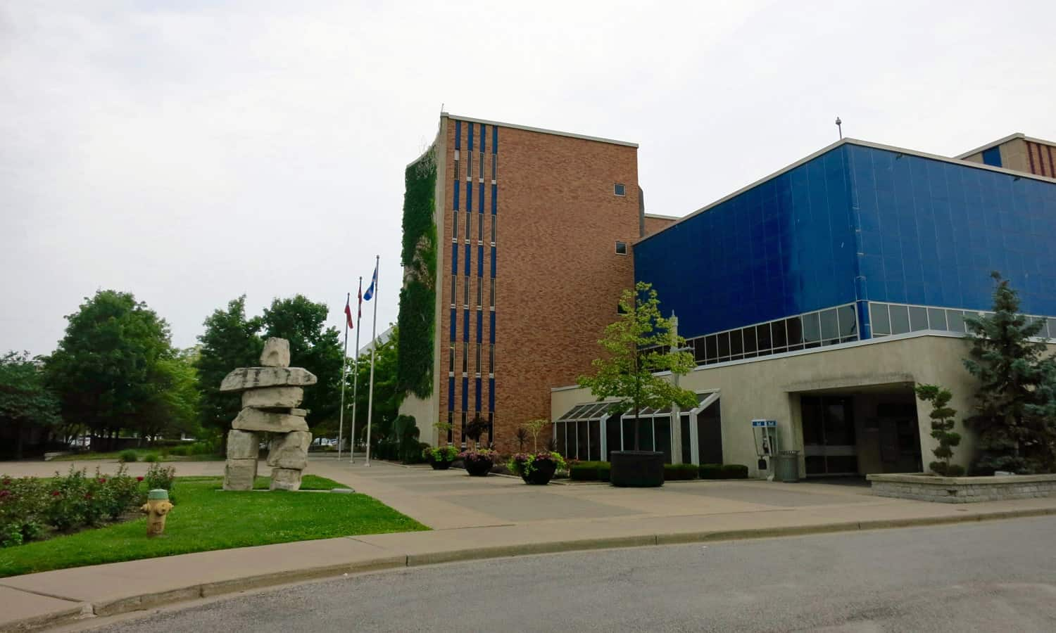 View from northwest of the tower and council chamber clad in blue enameled steel