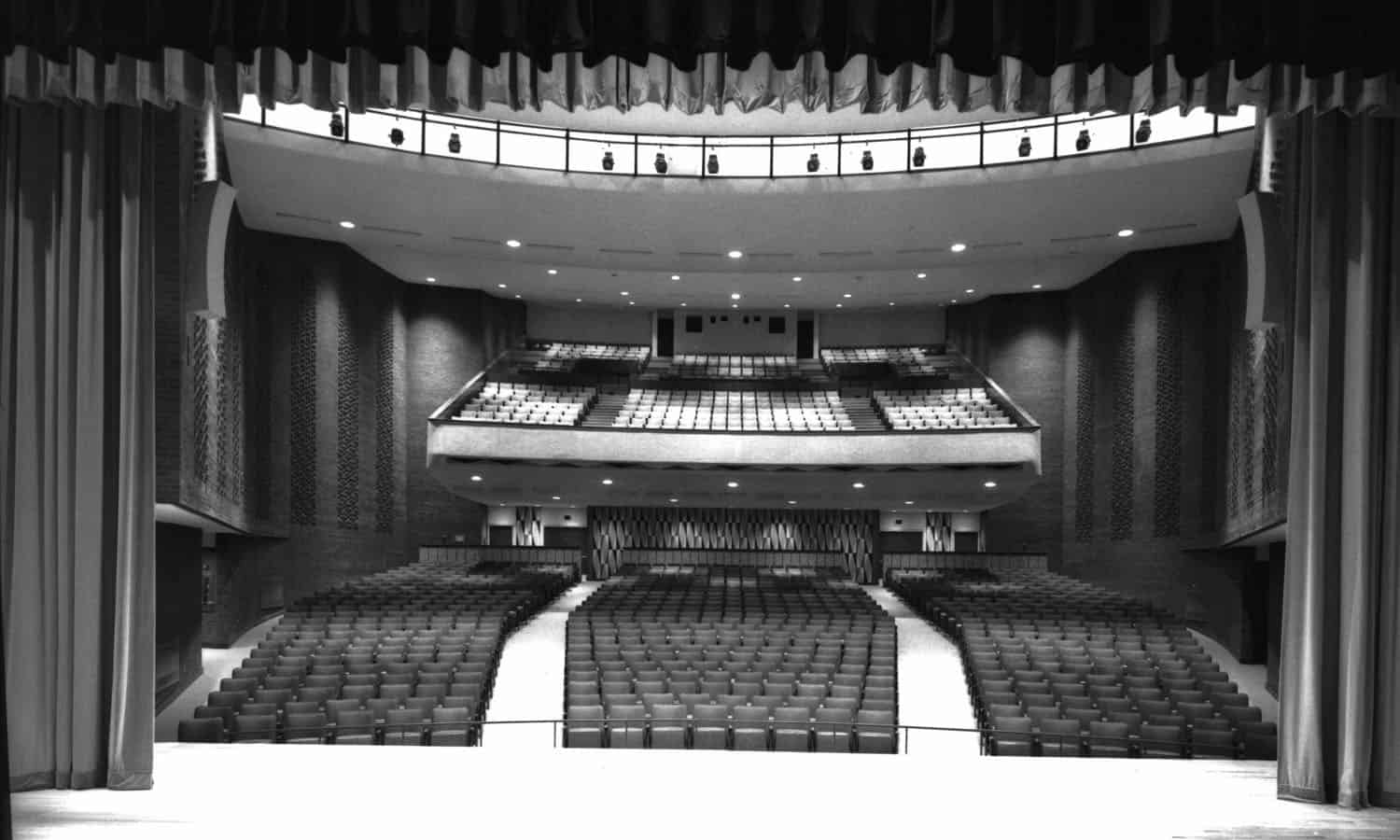 The 1300 seat auditorium (Library & Archives Canada PA-192718)