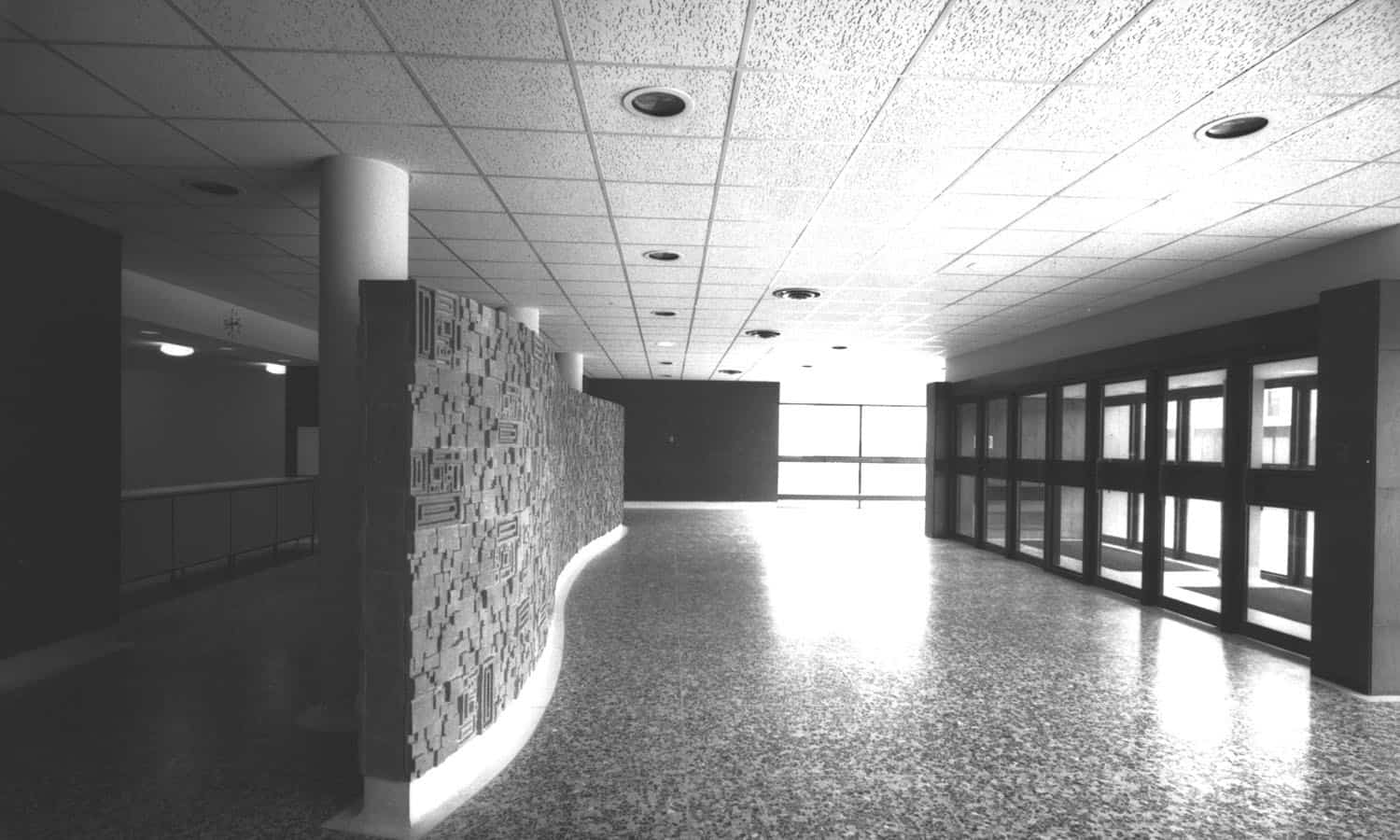 The auditorium foyer with its decorative screen at the cloakroom (Library & Archives Canada PA-192721)